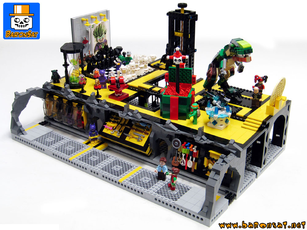 Lego-Batcave-Trophy-Room-moc-Side